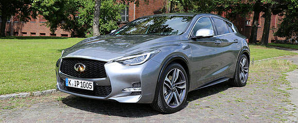 infiniti-q30-s-drivers-club-germany-testdrive